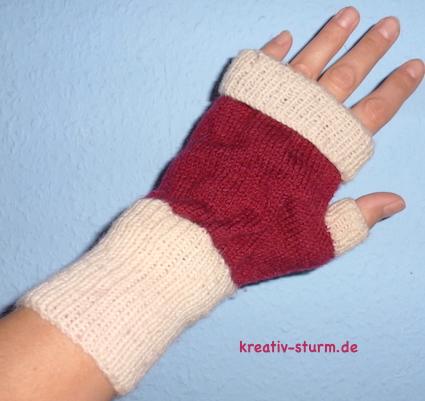 Fingerlose Handschuhe in Nikolausfarben