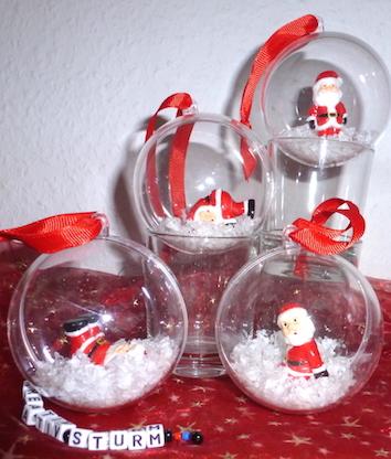 Nikolaus-Schneekugeln