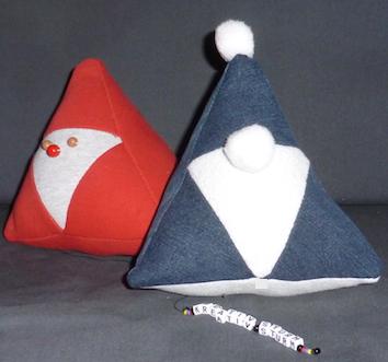 Pyramiden-Santa aus lauter Dreiecken